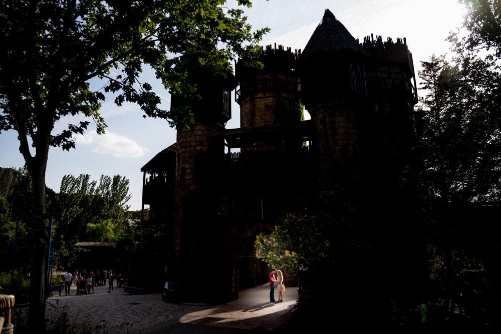 Fotos-preboda-postboda-10-lugares-en-Madrid-para-novios-atrevidos-parque-atracciones-wayak-studio-5